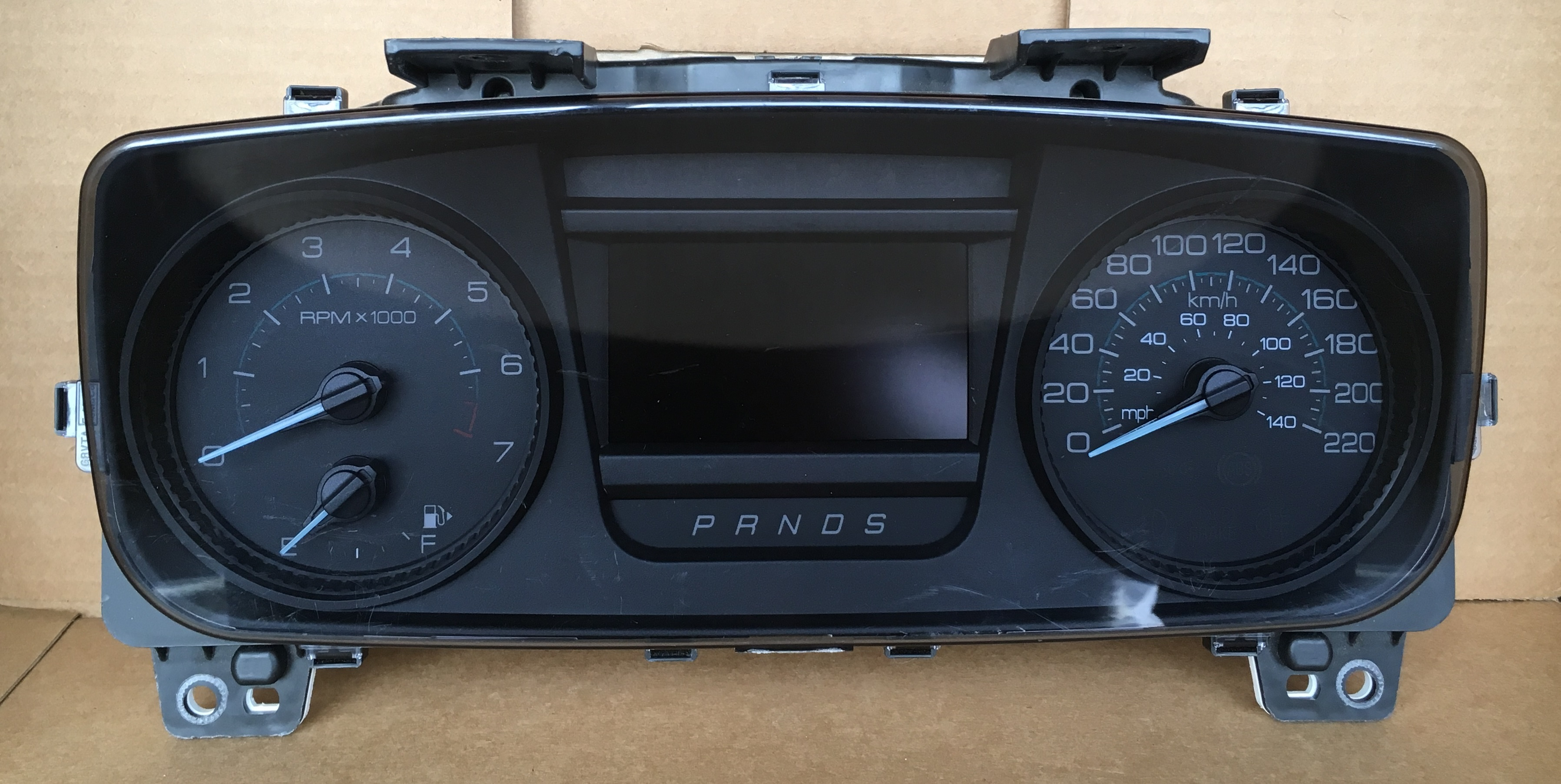 2013-2014 FORD TAURUS USED DASHBOARD INSTRUMENT CLUSTER FOR SALE (KM/H)